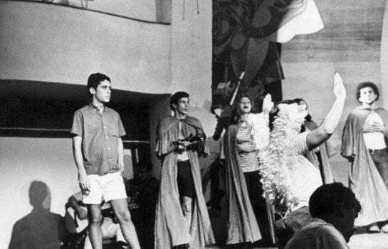 chico-buarque-no-ensaio-da-peccca7a-roda-viva-em-1968
