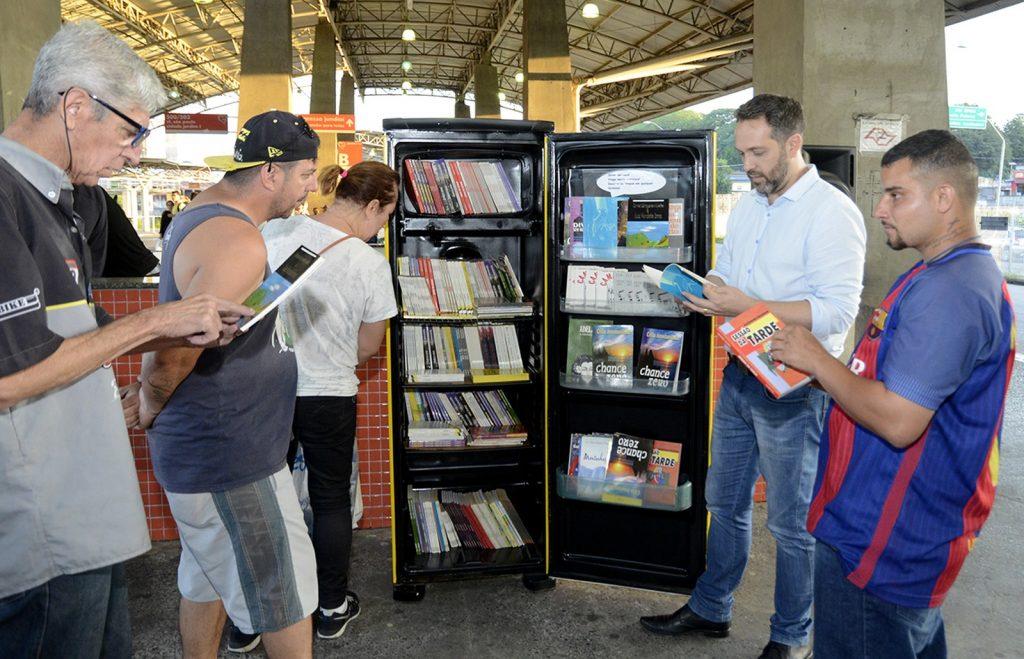 Exemplo de uma geladeira literária