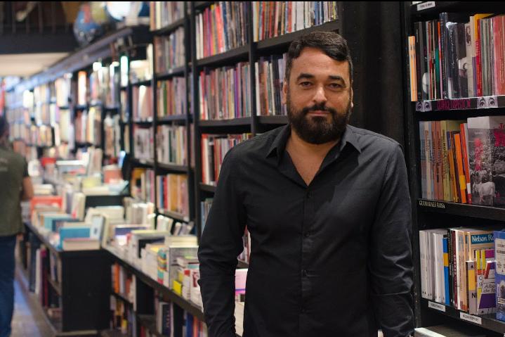Alex Andrade, autor de Antes que Deus me esqueça